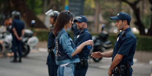 hình ảnh cắt từ đoạn quảng cáo của Pepsi