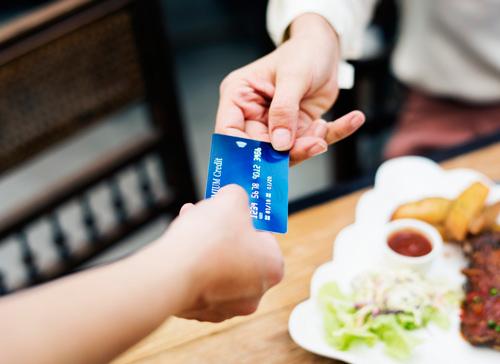 kiểm soát quá trình mua hàng của khách hàng